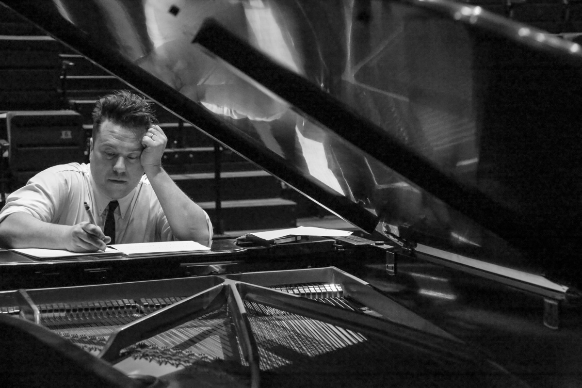 Ian Ring at the piano, photo by Steve Sugrim